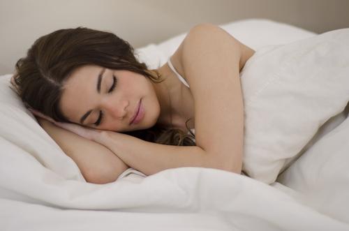 kraska v posteli